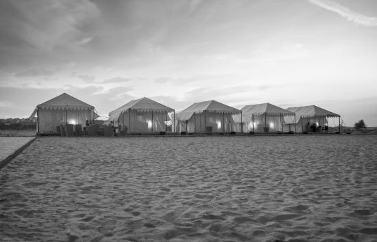 Desert Springs Resort: Desert Comfort in Midst of Desert