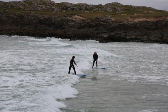 Real Adventures Connemara : Baptême de surf en Irlande