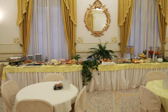 breakfast room - Picture of Hotel San Nicola, Altamura - TripAdvisor