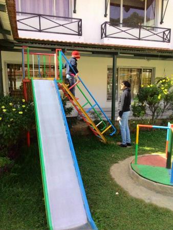 Hotel Sapphire Grand: Slide for Kids