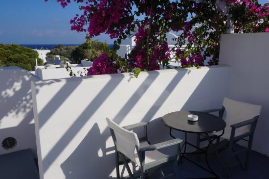 Santorini Kastelli Resort: The terrace
