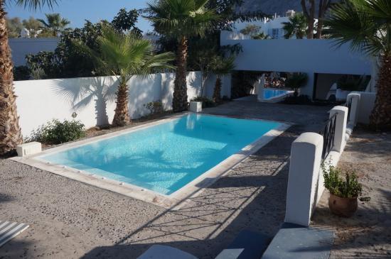 Santorini Kastelli Resort: One of the secondary pools