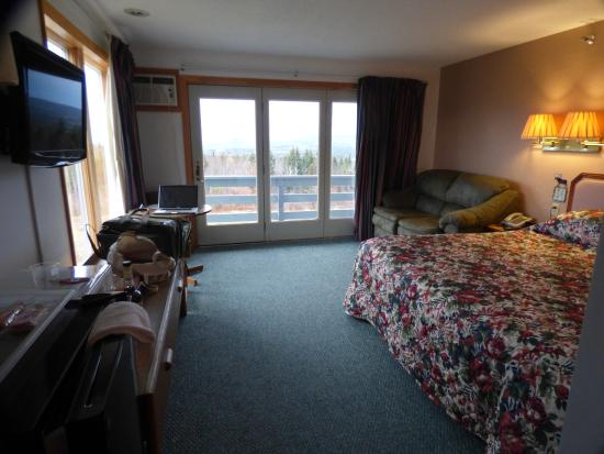 Kineo View Lodge: King size room on second floor corner