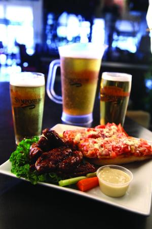 Ancaster, Canadá: saturdays are pitcher of beer and appetizer specials