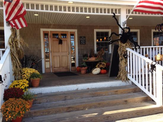 Good Table: Front porch decorated for Halloween
