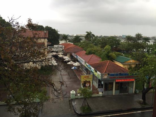 Hotel Saigon Morin: View from the room