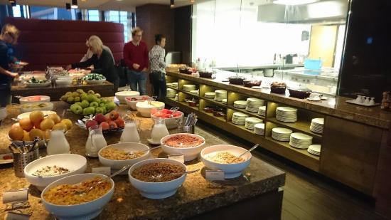 Hotel Van Der Valk Schiphol Amsterdam Breakfast