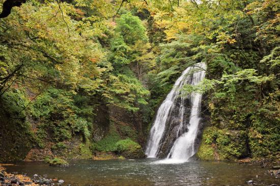 Fujisato-machi, Giappone: 近くの観光スポット(峨ろうの滝)