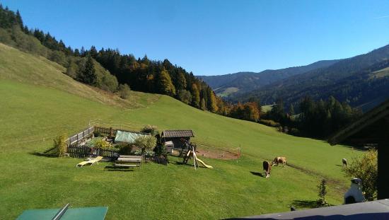 Maurerbauer: Die Hütte vor dem Bauernhof