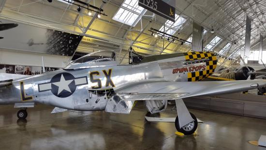 Historic Flight Foundation: Sleek