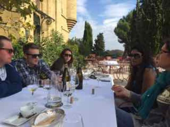 ‪‪Mornas‬, فرنسا: Lunch with Celine in Chateau Neuf Du Papes region‬