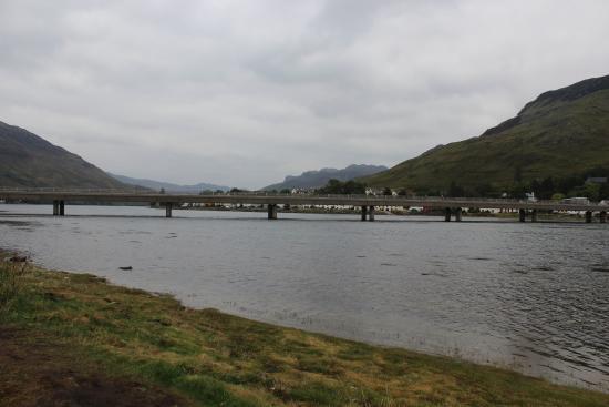 Ardelve, UK: Dornie on Loch Long