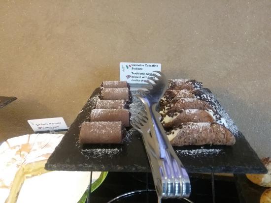 Melqart Hotel : colazione dolci tipici siciliani