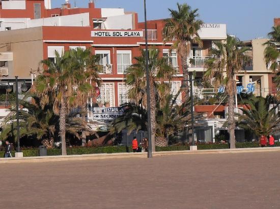 Hotel Sol Playa: parte trasera del hotel