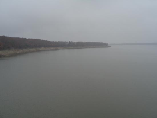 Stoutsville, MO: Another view of Mark Twin Lake from the highway