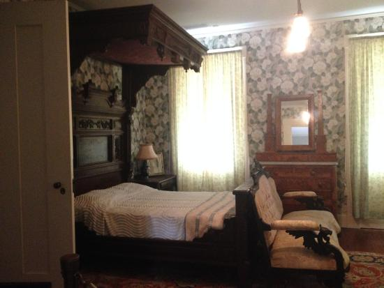 Knott House Museum: .