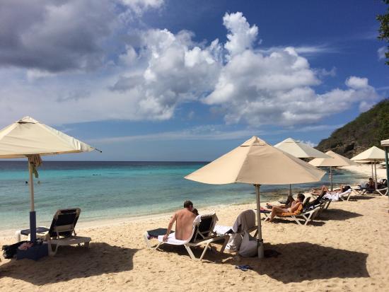 Fantastisch strand en heerlijk water om te snorkelen! Aanrader als je op Curacao bent!