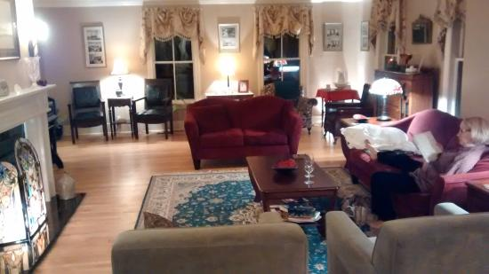 Cranmore Inn: The lounge