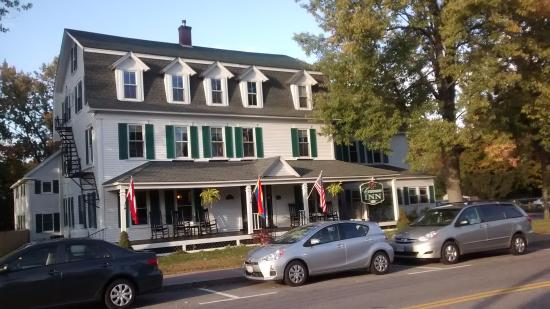 Cranmore Inn: From across the street