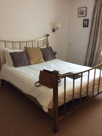 St Margaret's at Cliffe, UK: Comfortable bed
