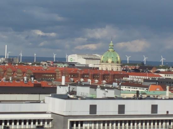 Denmark: В далеке арена, где проходит обычно Евровидение.