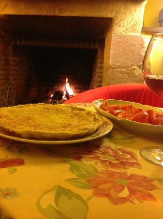 Casona de la Salceda : Cena en la Chimena