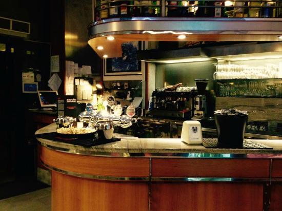 Ristorante Pizzeria Nuova Castelli : Bar