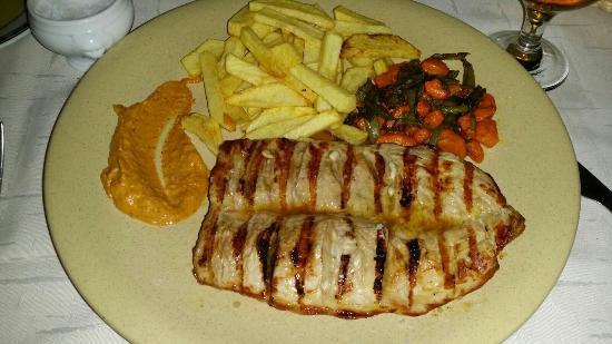 Meson El Gala: Un poco caro pero la comida buenisima!