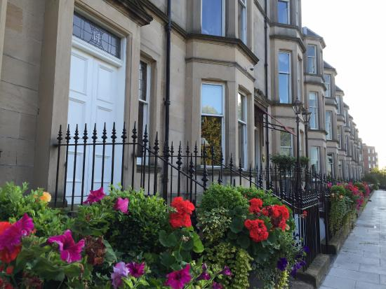 The elegant terrace that is south learmonth gardens the for 2 learmonth terrace edinburgh