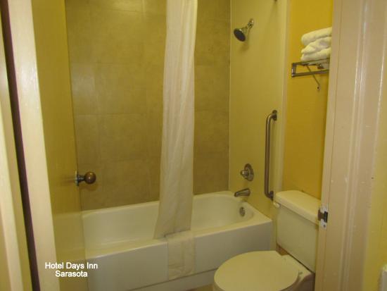 Days Inn Sarasota - Siesta Key: banheiro