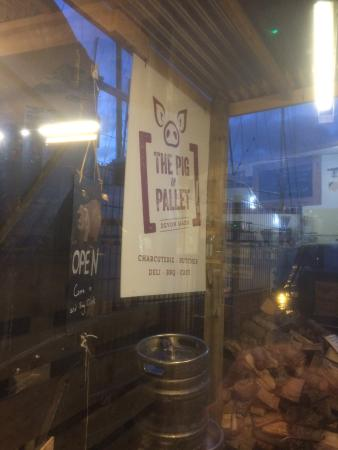 Pig and Pallet: 'What it says on the tin'