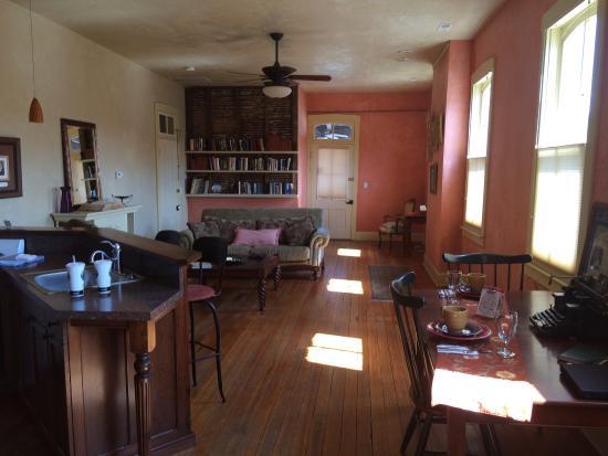 Schiller Guest Suites: photo0.jpg