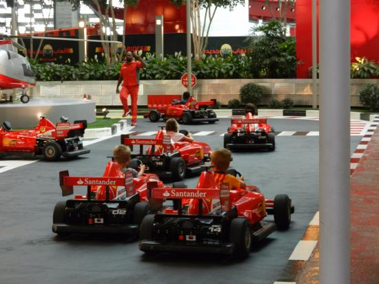 parque da ferrari picture of ferrari world abu dhabi abu dhabi. Cars Review. Best American Auto & Cars Review
