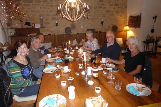 Ferme de Tayac : Breakfast together