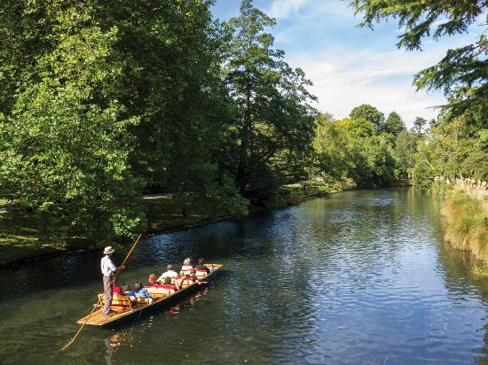 Christchurch, New Zealand: Punting on the Avon