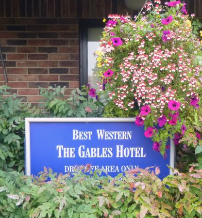 Falfield, UK: Gables Sign