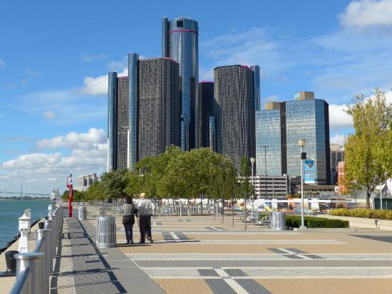 ‪Detroit RiverFront‬