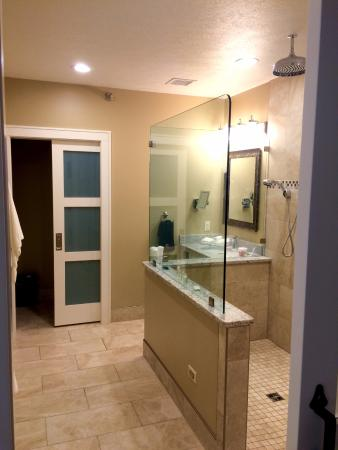 Berlin, OH: that shower !