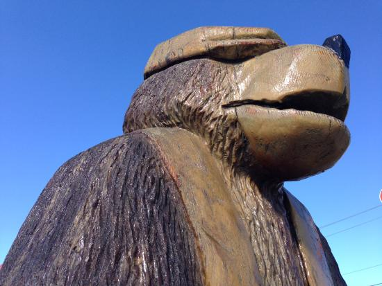 Chainsaw carving in chetwynd picture of