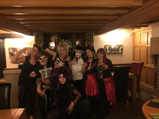Monyash, UK: A spooky Halloween at the Bull