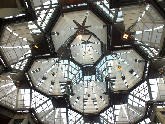 Ottawa, Kanada: Inside the dome at the National Gallery of Canada