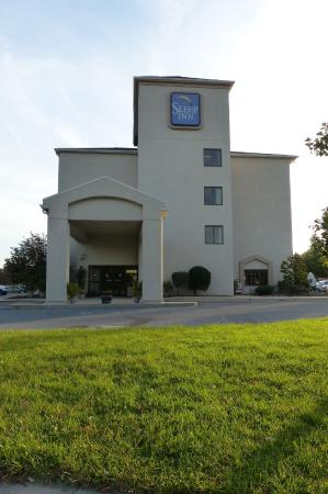 Sleep Inn: front entrance