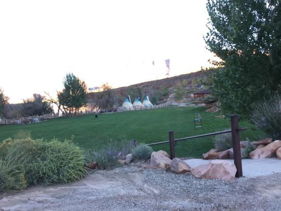 Silver Fork Lodge & Restaurant: View from the lodge