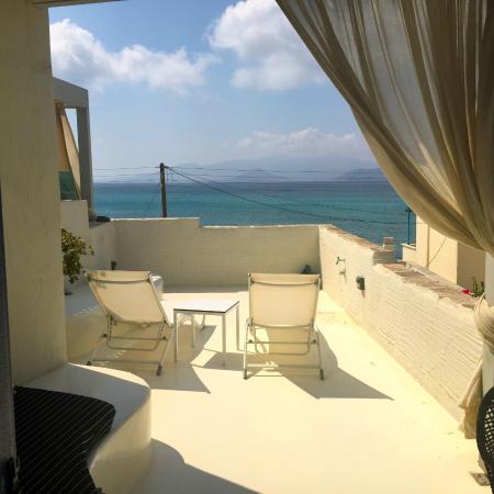 Iria Beach Art Hotel : Patio from Sublime room
