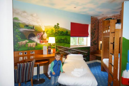 Drayton Manor Park Hotel Thomas Rooms