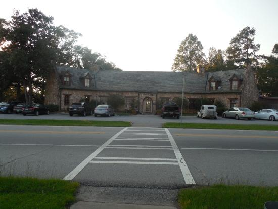 The Country Kitchen At Callaway Gardens An Old Stone Building Houses Restaurant And