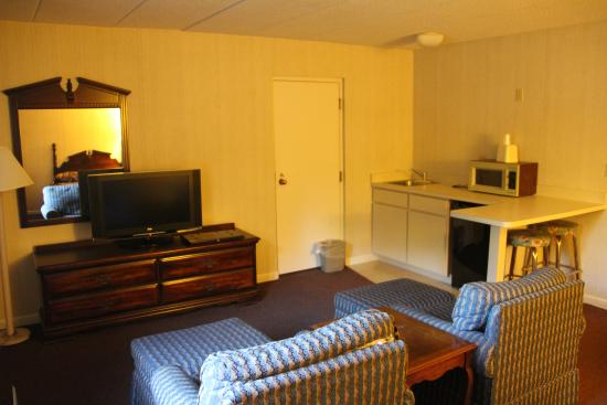‪‪Gold Star Inn & Suites‬: Econo Lodge Inn & Suites Groton - Room‬
