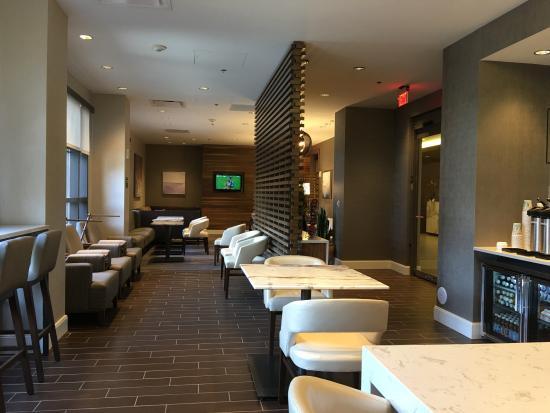 Richmond Marriott Short Pump: Lounge