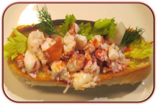 Κλίντον, Κονέκτικατ: Connecticut-style Lobster Roll