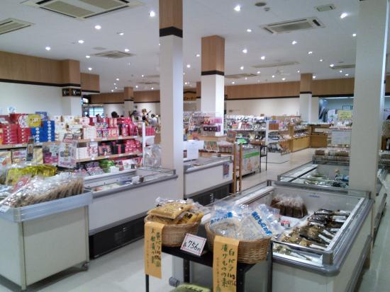 Road Station Shichinohe: お土産